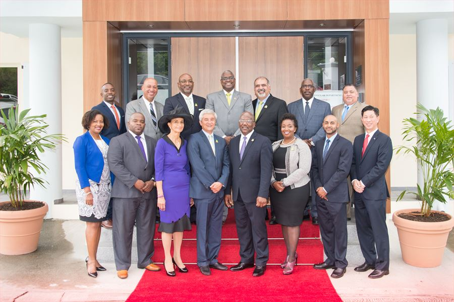 The Governor\'s Speeches - The Cabinet of the Governor of Sint Maarten
